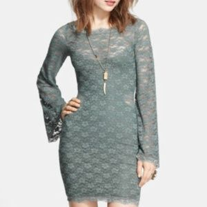 FREE PEOPLE Gray bell sleeves lace stretch dress